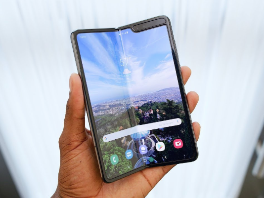 Galaxy Fold has also delayed the launch of its main competitor Huawei Mate X