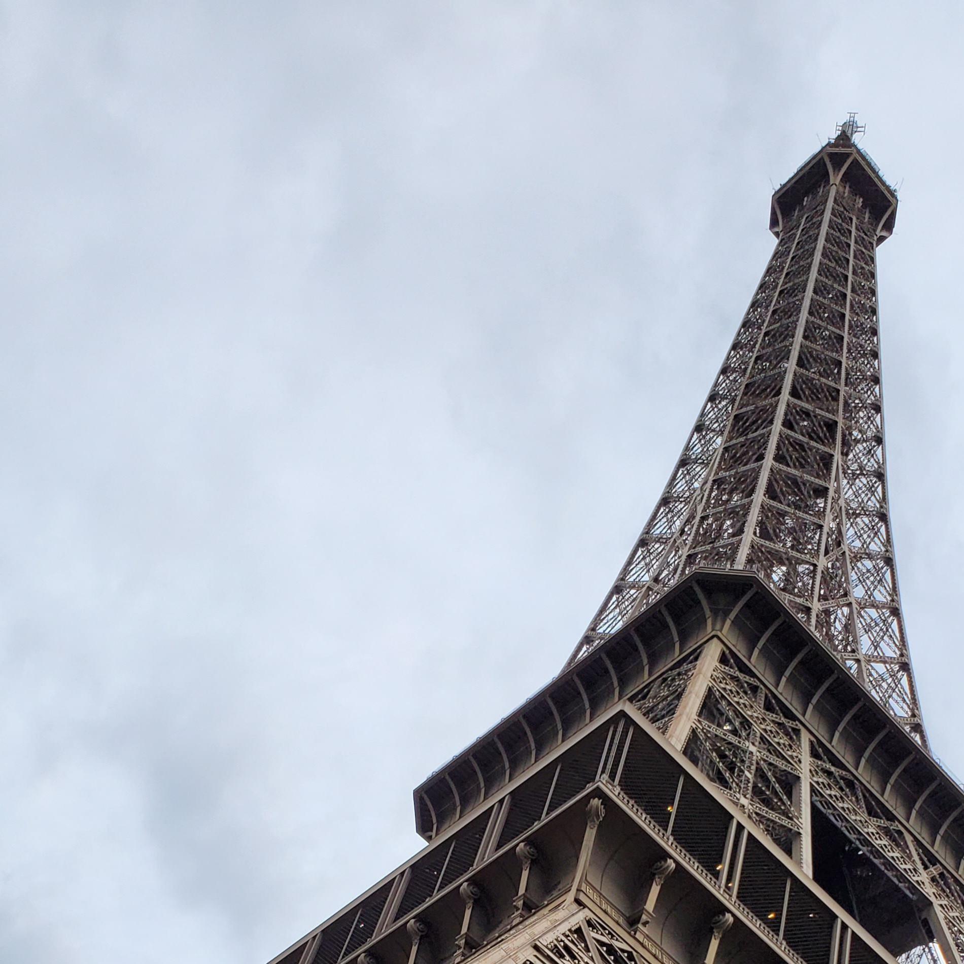 Tour Eiffel by u/mihai9315